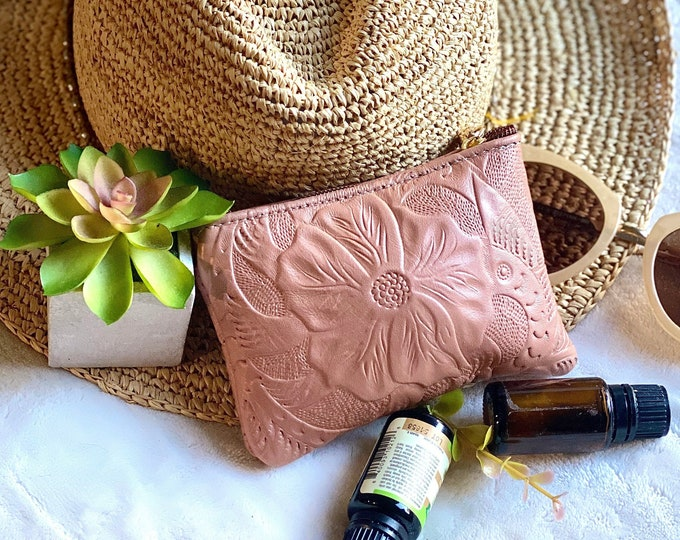 Handmade leather small pouch for woman - small makeup bag - leather woman pouch - gifts for her