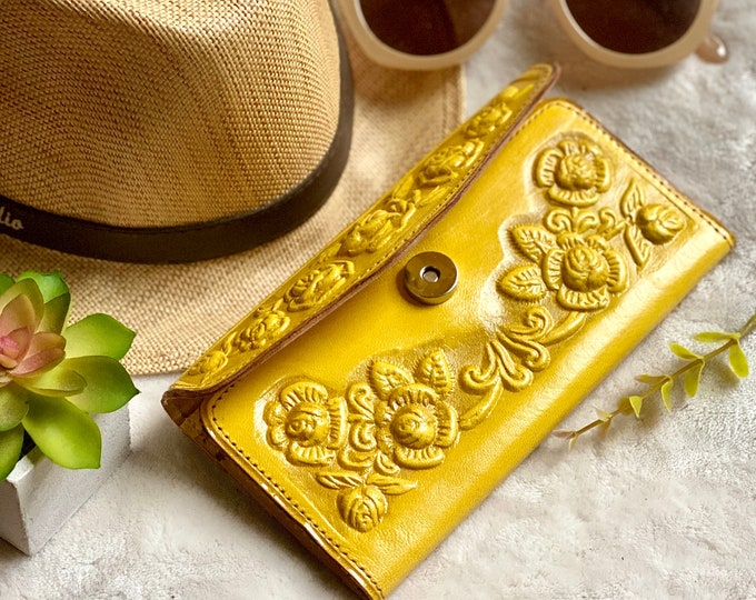 Embossed leather woman wallet - wallets for woman - Handmade leather woman wallet- gift for her