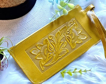 Handmade wristlet clutch bag- Wristlet wallet - woman wallet - Wristlet clutch - Cellphone purse - leather clutch - gift for her