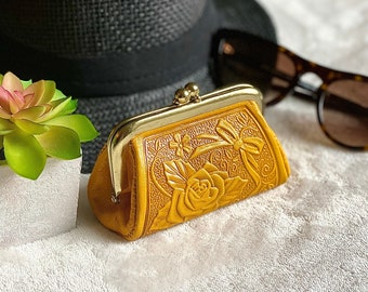 Woman Change purse - Small coin purse - Embossed leather clasp purse - gift for her