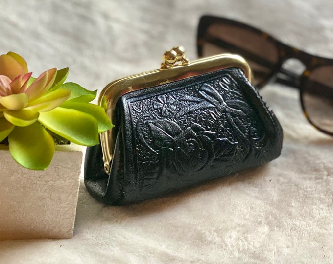 leather woman coin purse - Leather change purse - Vintage Style Coin purse - gift for her - Rose change purse -change purse leather
