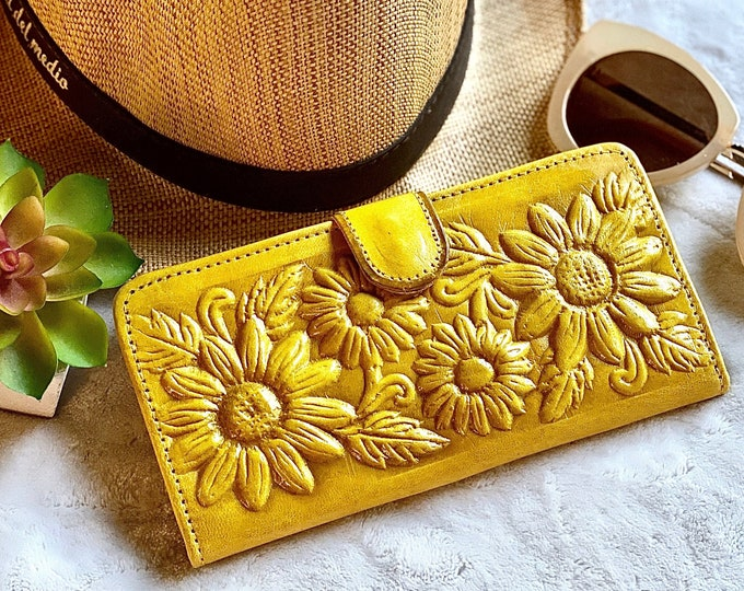 Handmade leather woman wallet - Sunflowers woman credit card wallet - gifts for her - Yellow wallets - Boho Style - Leather Wallet