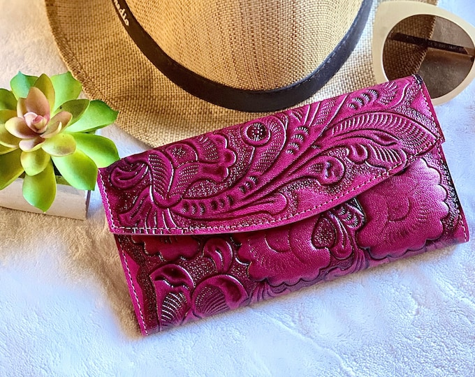 pink leather woman wallet - Handmade carved leather woman wallet - Lilies leather wallet - Gift for her - Wallet woman leather
