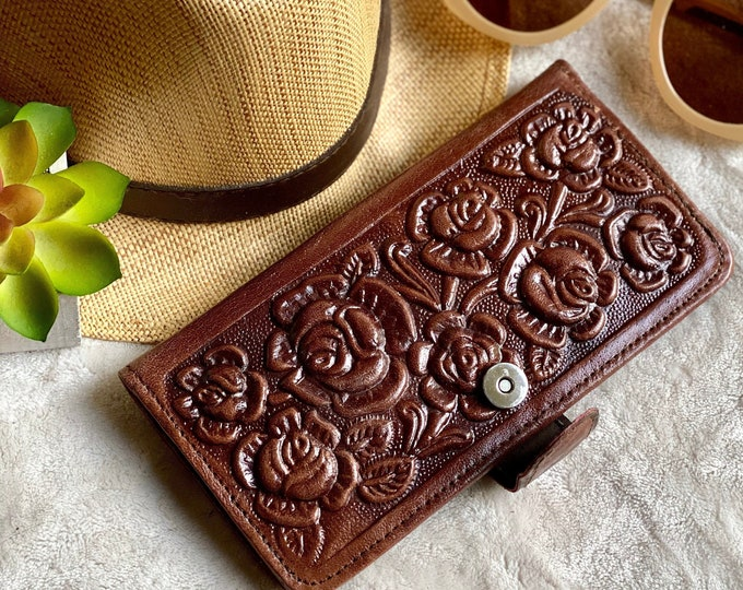 Handcrafted authentic leather wallets for women - leather wallet women's - bifold wallet  - gifts for her -woman wallet