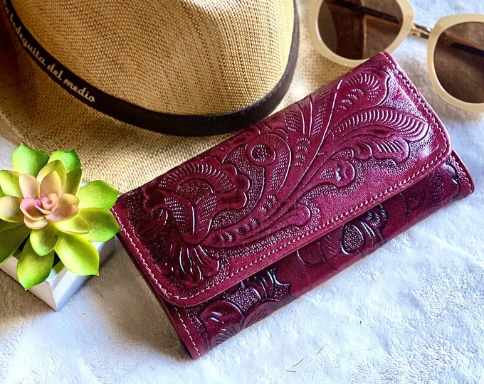 Handcrafted leather woman wallet -Burgundy handmade wallets for women - credit cards purse - Lilies women's wallet - gift for her