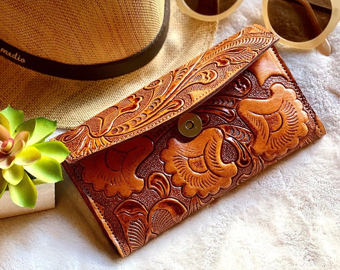 Artisan leather wallets • wallet woman • gifts for her