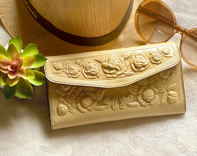 Handcrafted authentic leather women wallets  - Gifts for her -  wallets for women- leather wallets for women - beige wallet