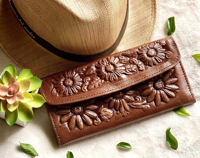Handmade woman wallets • gift for woman•  woman wallet leather