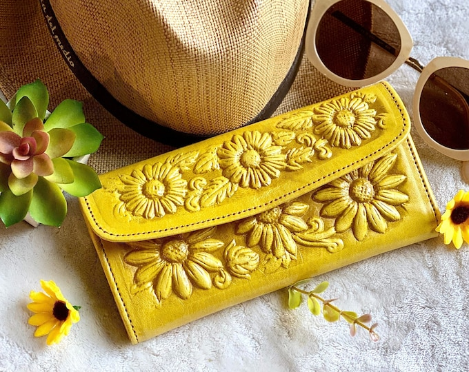 Handmade Authentic leather Sunflowers woman wallet - Woman purse - tooled woman wallet - gift for her