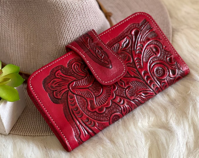 Artisan sustainable leather wallets for women • Embossed leather purse • small western wallet • gifts for her