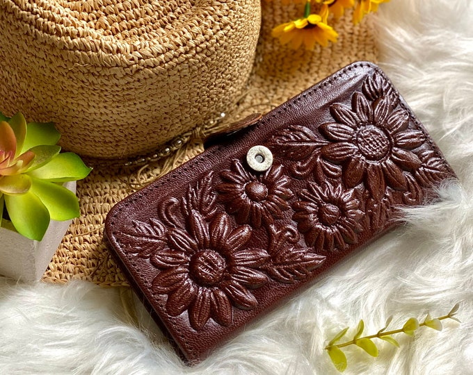 Handcrafted Sunflowers Leather Wallets for Woman - Gifts for her - Bohemian wallet - gifts for women