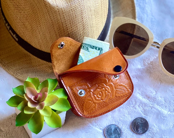 leather woman coin purse - woman change purse - leather coin pouch - Small leather gifts- gifts for her