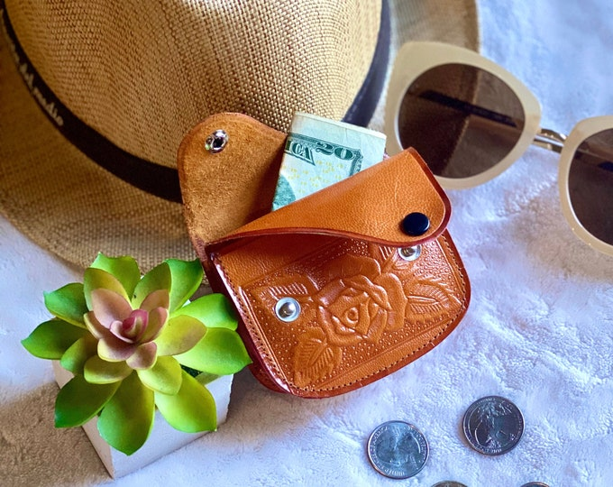 Handcrafted authentic leather woman coin purse - woman change purse - leather coin pouch - gifts for her - small pouch