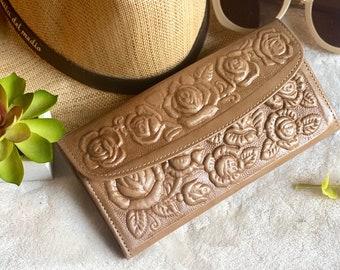 Leather Wallet Women's- Woman's Wallet- Leather Wallet Woman -Woman Wallet- gifts for her - Handmade leather wallet