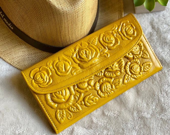 vintage style handmade sustainable leather wallets for women  • Gifts for her