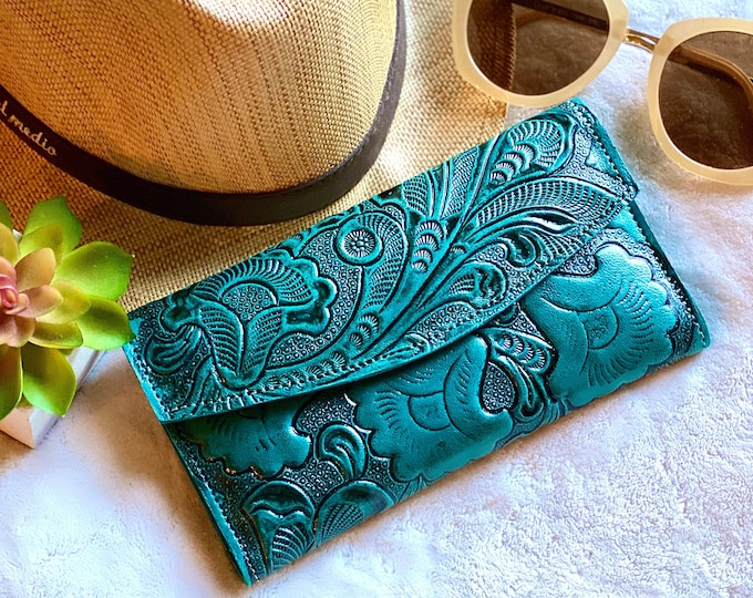 Handmade carved leather woman wallet - leather wallets for women  - Gift for wife - Gift for her - Wallet woman leather