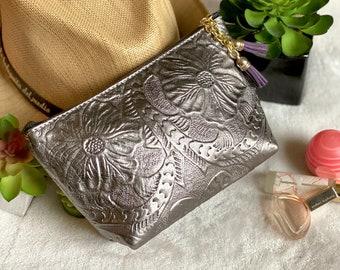 Makeup Bag*Bridesmaid gift*Cosmetic Bag*leather toiletry bag*Best friend Gift*Travel makeup bag*Gift for woman*Honeymoon gift*women bag