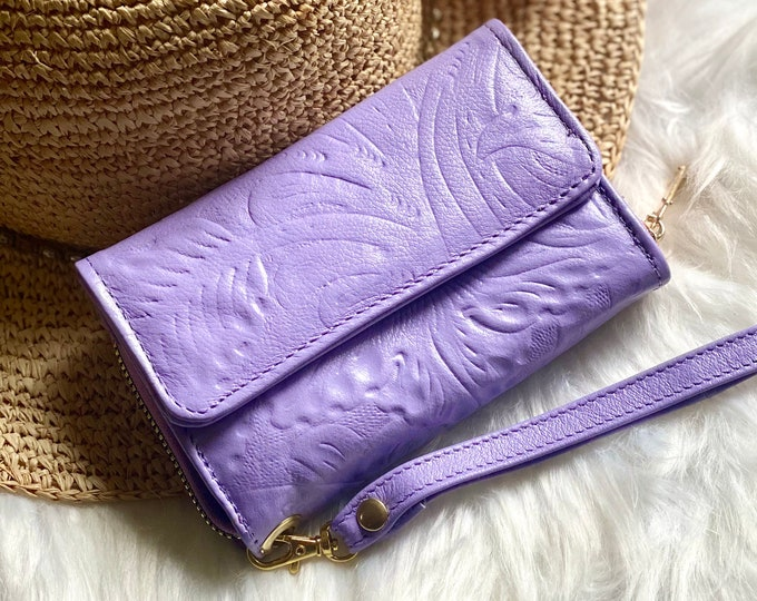 Handcrafted leather wallets for woman - wristlet wallet - women's wallets - Handmade gifts for her