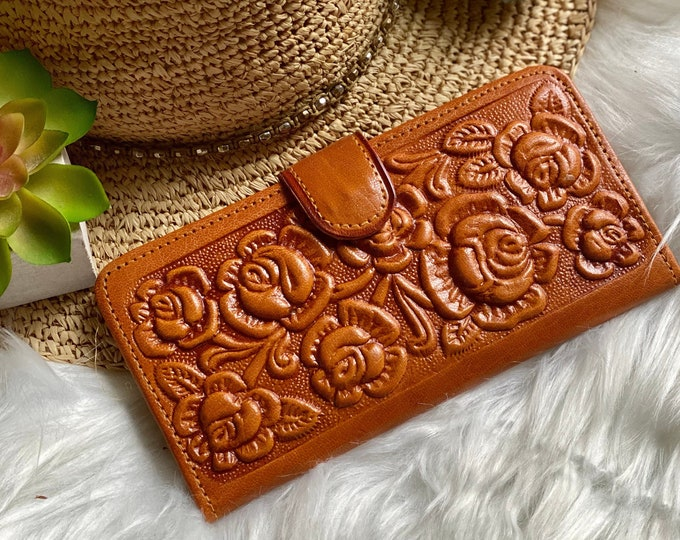 Authentic leather Handcrafted women's wallets