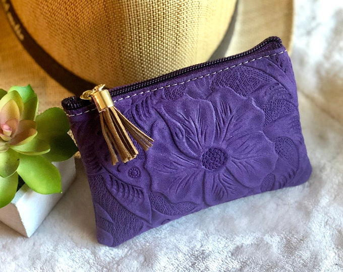 Zipper pouch - Leather small makeup bag for purse - Small leather bag - Cosmetic bag - gift for her - woman pouch