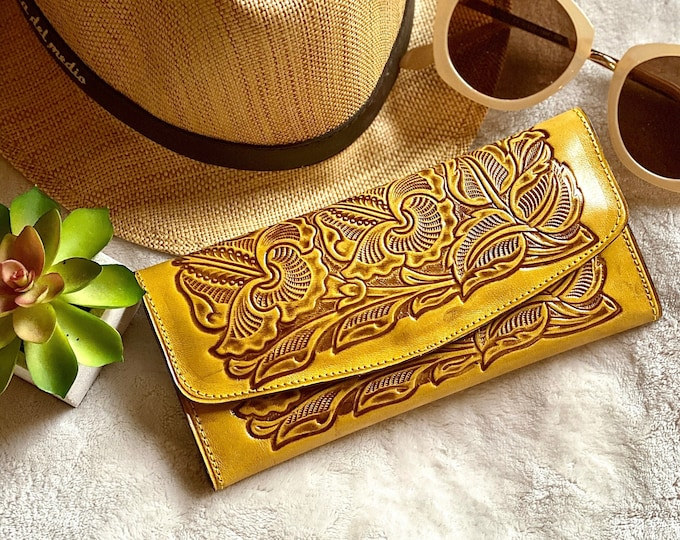 Western wallets for women - Ethnic wallet - Handcrafted wallet - gift for her -Bohemian wallets- gifts for her - woman wallet