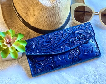 Blue leather woman wallet - Handmade carved leather woman wallet - Lilies leather wallet - Gift for her - Wallet woman leather