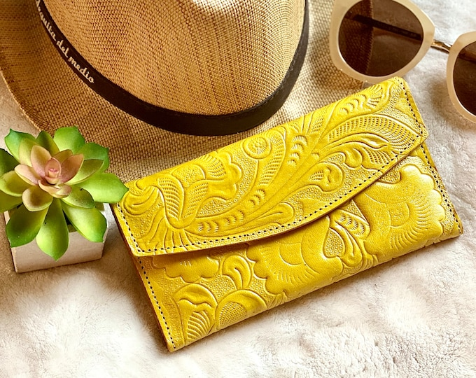 Handcrafted woman wallet leather - woman wallet -  Gift for her - leather wallet - Leather wallets for women -floral wallet -purse for women