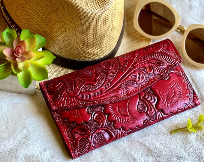 Handmade carved leather woman wallet - red leather wallet - handmade gifts - Gift for her - Wallet woman leather - wallets for women-