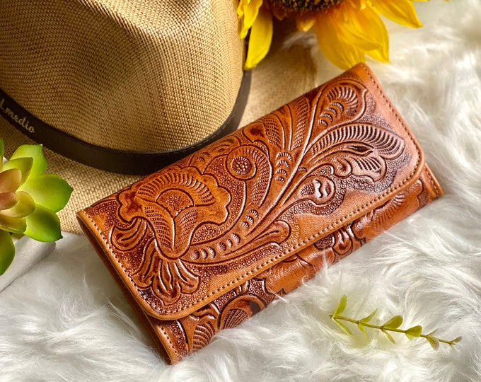 Handcrafted leather woman wallet -Burgundy  wallets for women - credit cards purse - floral wallet - gift for her