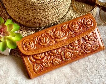 Roses leather wallets - woman wallet leather - gifts for her - gifts for mom -  Girly accessories- wallets for women