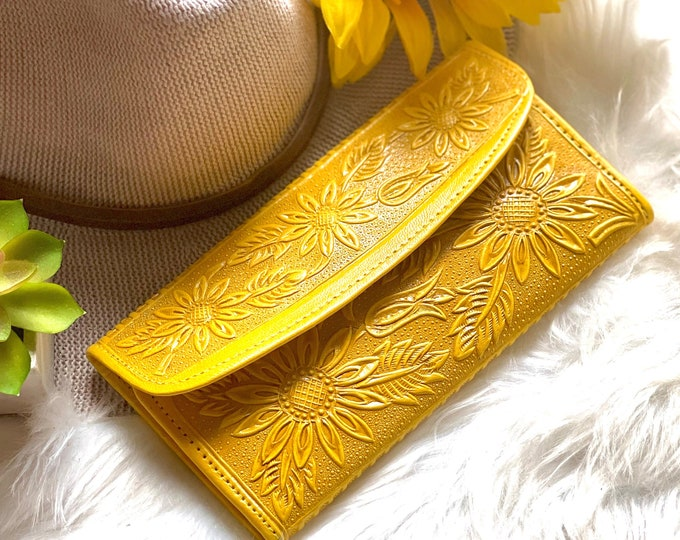 Handmade Sunflowers leather wallet - gifts for her - wallet women - purse