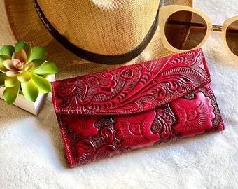 Leather wallet women's - Red leather wallet - Lilies wallet - Gift for mom - Gift for her -leather wallet trifold - green wallet