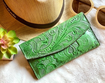 Handmade leather woman wallet -Lilies wallet -green leather women's wallet card -  gifts for her- gift for mom - woman wallet