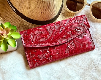 Leather wallet women's - Red leather wallet - Lilies wallet - Gift for mom - Gift for her -leather wallet trifold
