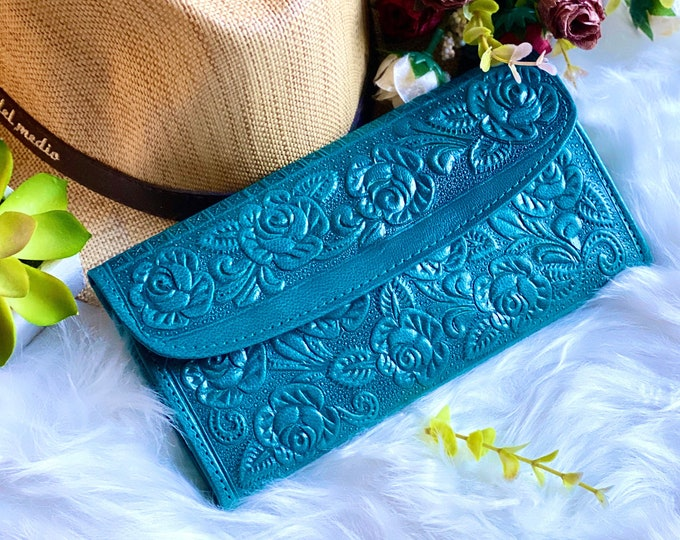 Handmade embossed wallets for women -Leather woman wallet -wallet women -gift for her -woman purse -Turquoise- wallet- Woman purse