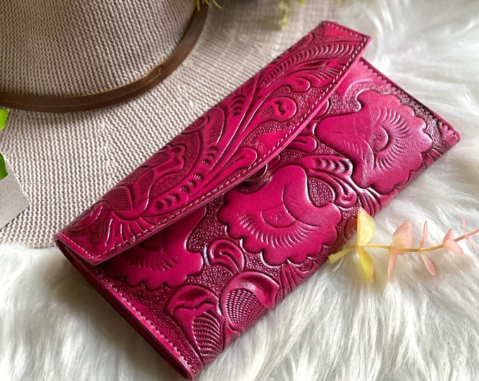 Handmade leather woman wallet -red leather wallet - handmade gifts - Gift for her - Wallet woman leather - wallets for women-