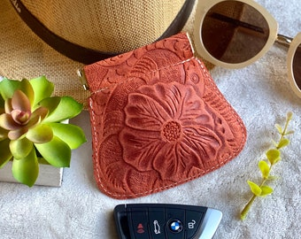 leather pouch - woman squeeze pouch - squeeze coin purse - small pouch - gift for her - floral pouch - flex frame pouch- AirPods case
