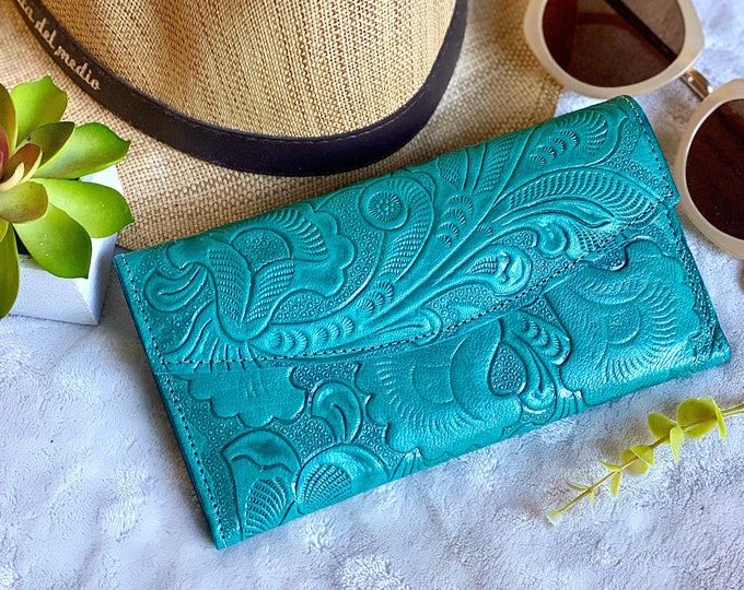 Handmade carved leather woman wallet -  leather wallet - Gift for wife - Gift for her - Wallet woman leather -Credit cards wallet -Aesthetic