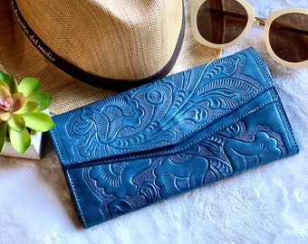 Handmade leather woman clutch - Lillies purse - woman small purse - Evening bag -Gift for her