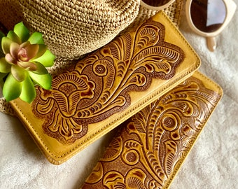 Handmade Tooled checkbook wallet- checkbook cover - gift for her -leather checkbook cover - leather wallet woman - woman wallet- check cover