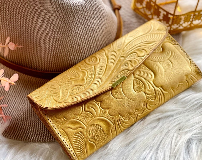 Sustainable embossed leather wallets for women • women's wallets • gifts for her