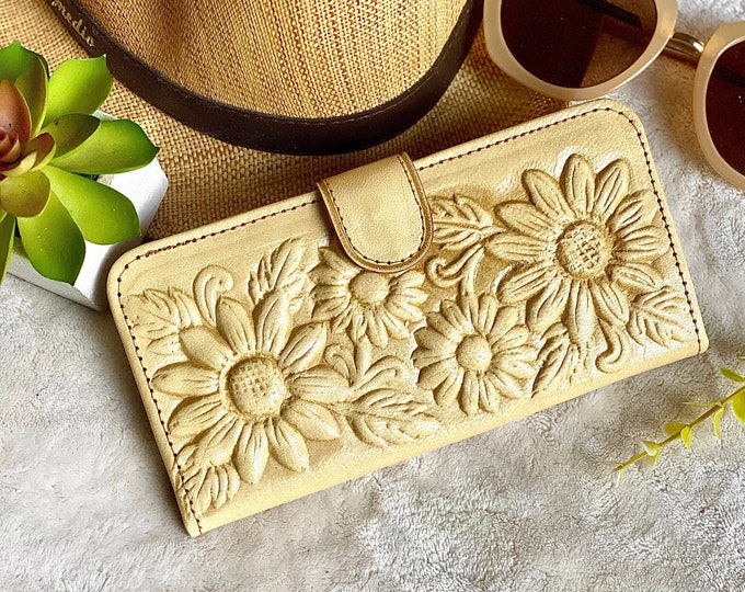 Handcrafted Sunflowers Leather Wallets for Woman - Gifts for her - Bohemian wallet - gift for mom