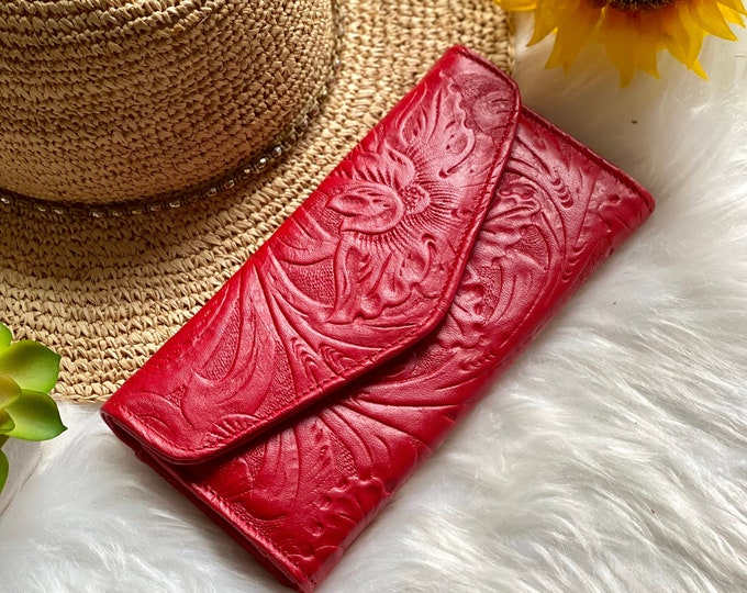 Handcrafted woman wallet - woman leather wallet - Handmade gifts - women's wallets - Red wallet
