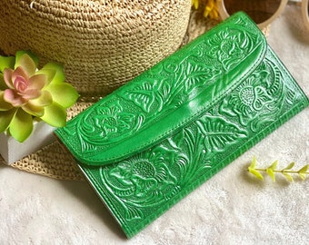 Lotus flowers carved leather wallets for women - credit cards wallet - leather wallet - gifts for her - wallet women - leather wallet women