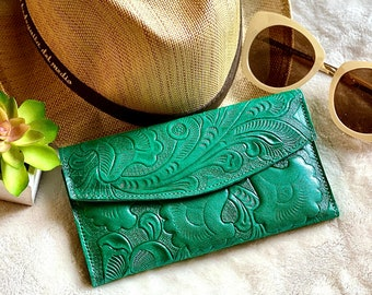 Green  leather women's wallet card -Lilies woman wallet - floral wallet woman - Leather wallet women's best friend gift - gifts for her