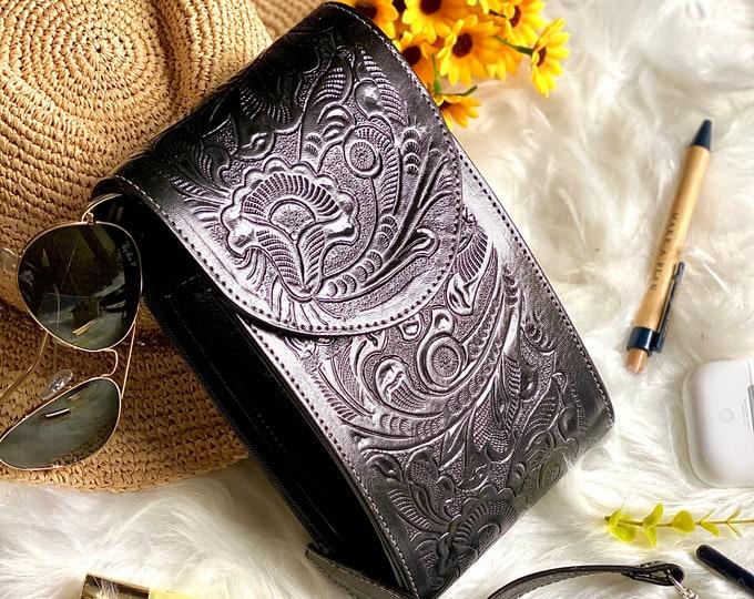 Black Handmade Leather Crossbody Bag - Crossbody Messenger bag - Small Bag - Boho Crossbody Bag  - gifts for her -