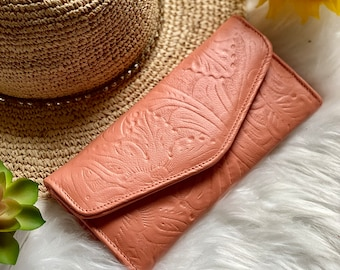 Handmade carved leather woman wallet - woman leather wallet - Gift for wife - Gift for her - Wallet woman leather - Credit cards wallet