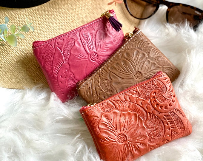 Handcrafted leather Small Pouch -Small makeup bag - Small leather bag - Essential oil Pouch - Small leather bag