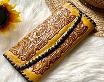 Authentic Leather Wallets for Woman- Handmade leather wallet - Cowgirl style - Gift for women