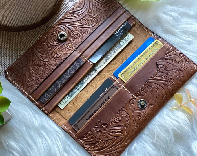 Woman Wallet-  Leather Wallet- Tooled leather Wallet-   Wallet leather- Gift for woman